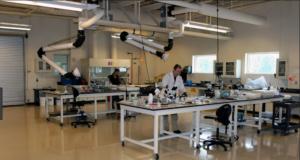 Wet lab vs Dry Lab